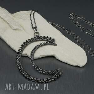 ciekawe naszyjniki srebrny wisior szafirowy spinel hareth