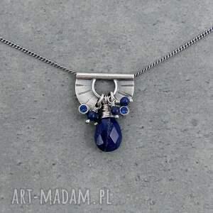 intrygujące naszyjniki przy szyi tiny pendant and lapis lazuli drop