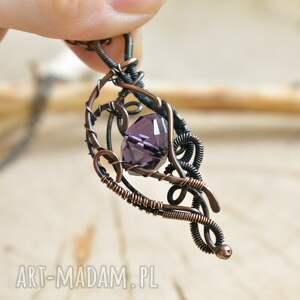 naszyjniki: Violet elegance - naszyjnik z wisiorem z kryształem - wisior z miedzi biżuteria z-miedzi