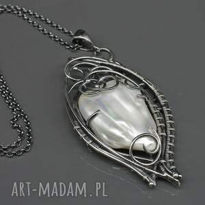 wyraziste naszyjniki wisior z perłą słonowodną erinti