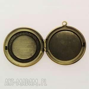 szare naszyjniki yin yang - sekretnik z łańcuszkiem