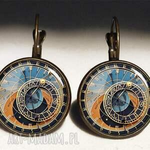 zegar naszyjniki kolorowe praski - medalion