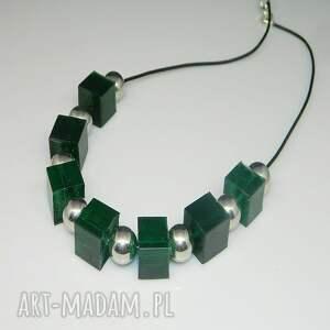 naszyjniki: zielone kostki N51 - jedyny naszyjnik żywica