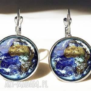 unikalne naszyjniki kosmos ziemia - medalion z łańcuszkiem