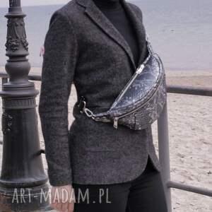 unikalne nerki nerka duża pojemna ze skóry srebrno