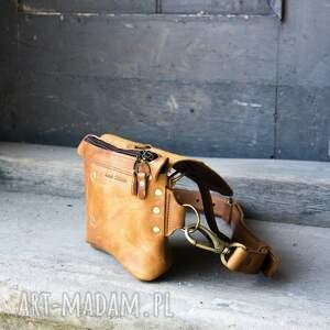 niebanalne nerki torba nerka skórzana torebka listonoszka