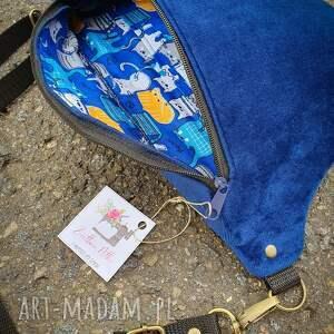 nerka nerki niebieskie - uszyta z aksamitu granatowego (klapa