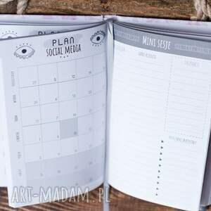 ręcznie zrobione notesy terminarz kalendarz dla fotografa