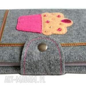 różowe notesy muffin okładka z muffinkiem