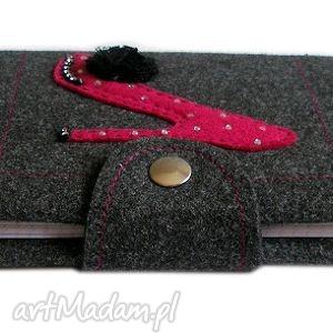 różowe notesy okładka z pantofelkiem