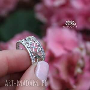 pierścionek obrączki ażur królewski