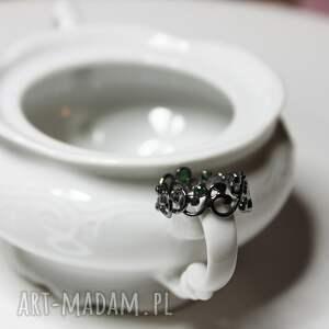 intrygujące obrączki srebro krople rosy w koronkach