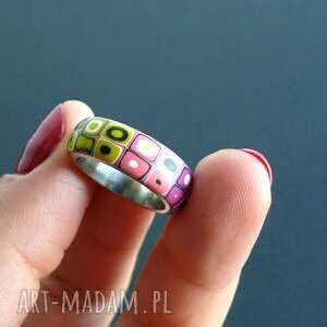 różowe obrączki pierścionki stalowa obrączka z polymer clay
