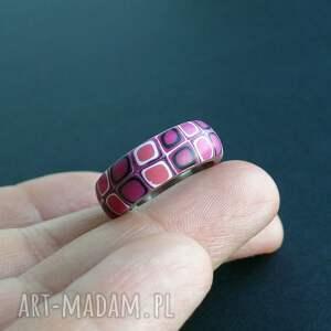 obrączki różowe stalowa obrączka z polymer clay