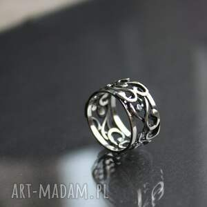 ręcznie wykonane obrączki obrączka zakręcona