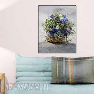 niebieskie kwiaty obrazy obraz do salonu koszyk z kwiatami