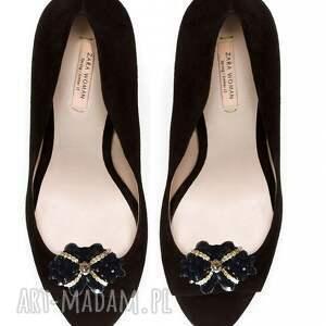broshka ozdoby do butów black shine