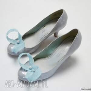 ozdoby do butów buty błękitne spinki