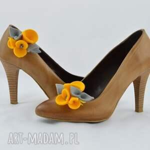 żółte ozdoby do butów filc filcowe przypinki do