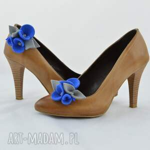 niebieskie ozdoby do butów filc filcowe przypinki do