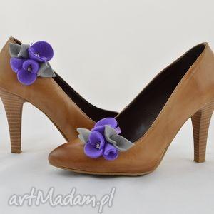 modne ozdoby do butów filc klipsy butów- filcowe przypinki