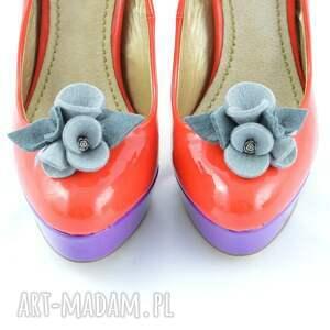 ręczne wykonanie ozdoby do butów filc klipsy butów- filcowe bratki