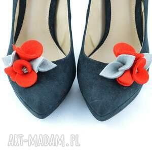 ozdoby do butów filc klipsy butów- filcowe przypinki
