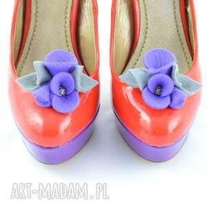 modne ozdoby do butów klipsy butów- filcowe przypinki