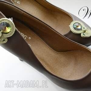 unikalne ozdoby do butów sutasz klipsy złoto