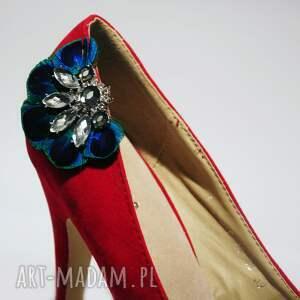 urokliwe ozdoby do butów ślub klipsy z pawich piór