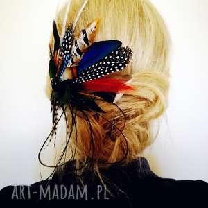 ozdoby do włosów ślub fascynator broszka z piór,,kolorowe