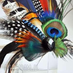 ozdoby do włosów fascynator broszka z piór - kolorowe
