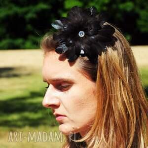 ozdoby do włosów spinka fascynator / broszka z piór,,czarna