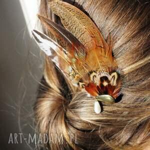 wyjątkowe ozdoby do włosów fascynator z piór - brązowe