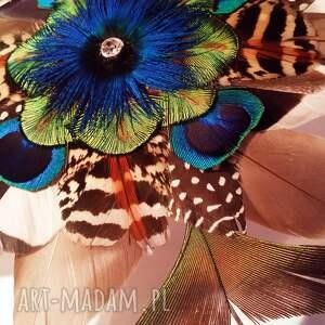 intrygujące ozdoby do włosów pióra fascynator z piór - kolorowe