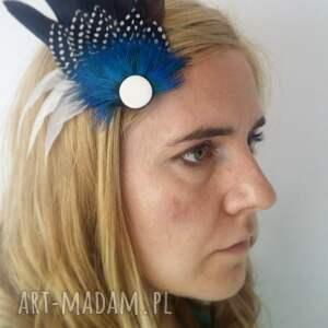 niepowtarzalne ozdoby do włosów pióra fascynator z piór - klasyka
