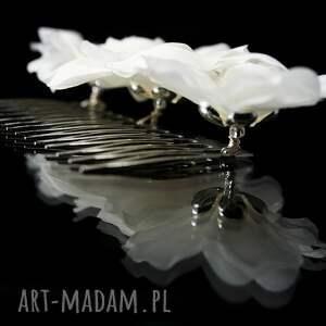 srebrne ozdoby do włosów swarovski grzebyk z jedwabnymi kwiatami