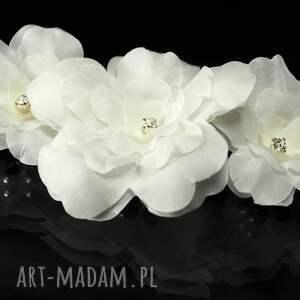 ciekawe ozdoby do włosów swarovski grzebyk z jedwabnymi kwiatami