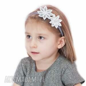 atrakcyjne ozdoby do włosów prezent opaska z kwiatuszkami dla