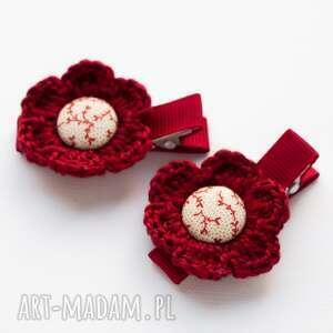 pomysł na prezent pod choinkę spinki do włosów kwiatki szydełkowe