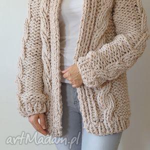 beige chunky, sweter, gruby, masywny, warkocze, dziergany swetry, święta