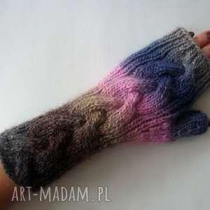 ręczne wykonanie rękawiczki tęczowe