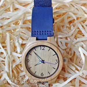 drewniany zegarek z bambusa na niebieskim skórzanym pasku, zegarek, bambusowy