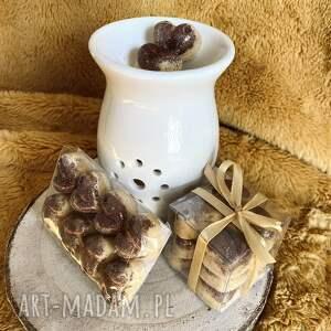 dom wosk zapachowy do kominka - orzechowa trufla sojowy serduszka
