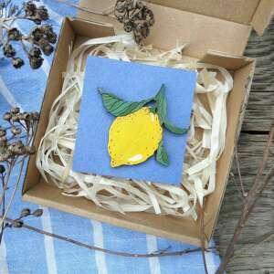 broszka cytryna, drewno, ręcznie malowana, broszka, drewno dębowe