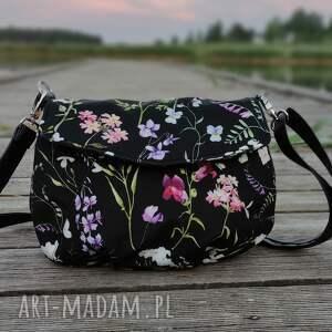 torebka z klapką - wiosenna łąka, kwiaty, łąka, nowoczesna, pakowna, prezent