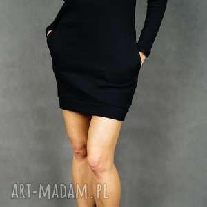 Sukienka dresowa camo czarna z długim rękawem kieszeniami moro
