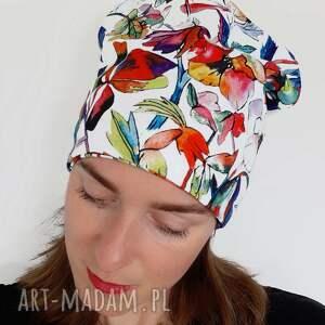 wyjątkowy prezent, czapka no 42, biała czapka, pastele, jasna kwiaty