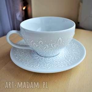 ceramika filiżanka ręcznie malowana biały ażurowy wzór, dla mamy, żony