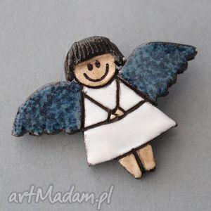 aniolik-broszka ceramiczna - prezent, święta, choinka, sweter, urodziny, dodatek